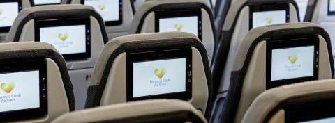 En reservation af den rette flystol er især populær på de lange flyvninger. På de oversøiske ruter flyver Thomas Cook Airlines udelukkende med A330-fly, hvor alle passagerer har individuel videoskærm.
