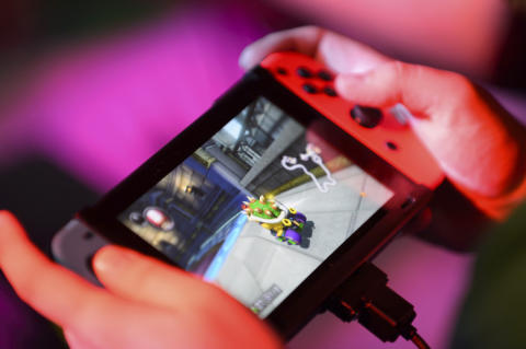 Popularity of Nintendo's new console causes problems for Supply Chain