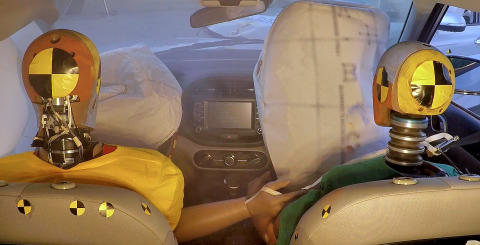 HMG intorduces world's first multi-collision airbag system_3