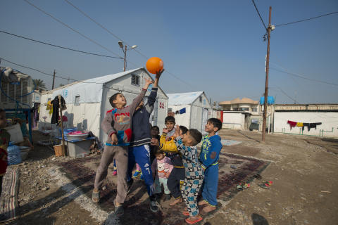 Nödbostad i Irak © UNHCR/Sebastian Rich