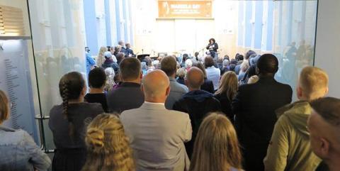 Mandelas dotter, Zindziswa Mandela, föreläser i Scientologikyrkan Danmark
