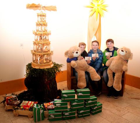 Schüler des BIP Krea Gymnasiums spenden an Bärenherz