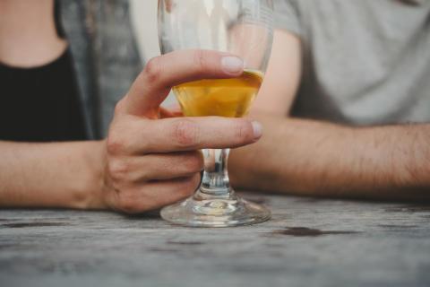 4 av 10 drack alkohol varannan dag eller oftare under semestern