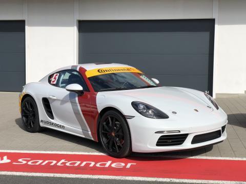 Porsche Cayman med Continental-dekk