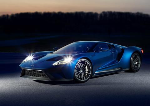 A Ford és a Corning az iparágban elsőként mutatja be a vadonatúj Ford GT szupersportkocsiban a Gorilla Glass hibrid üvegtechnológiát