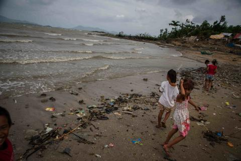 Tre månader efteråt:  Tyfonkatastrofen i Filippinerna hade kunnat begränsas