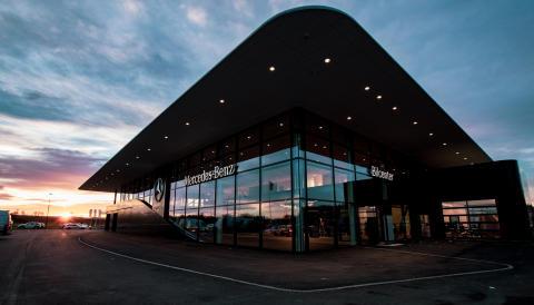 Nyköping först i Sverige med Mercedes-Benz nya framtidsanläggning.