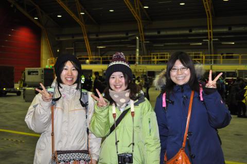 Ai, Tomomi och Yuko från Japan landade i Kiruna igår