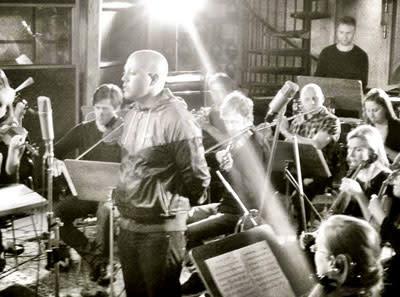 Fryshuset i musikintegration med Sweden Aid Orchestra för att hedra minnet av offren på Utøya