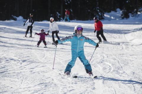 På ski med børn i Kläppen
