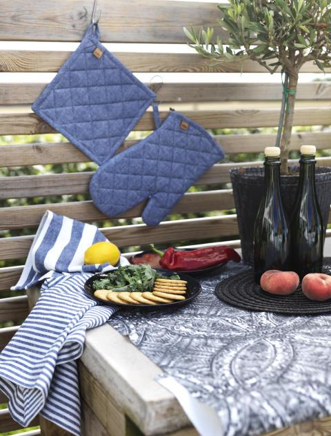 Kitchen towel Lia stripe, Pan holder Allerum, Oven glove Allerum, Runner Glimminge, Place mat My_3