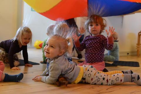 Musik skaber et særligt rum for fællesskab og leg