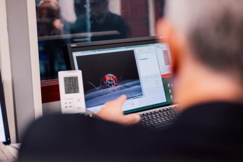 Volvo_Cars_and_POC_develop_world-first_car-bike_helmet_crash_test 2