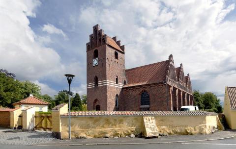 Grøn kirke varmer op til hvid jul uden energispild
