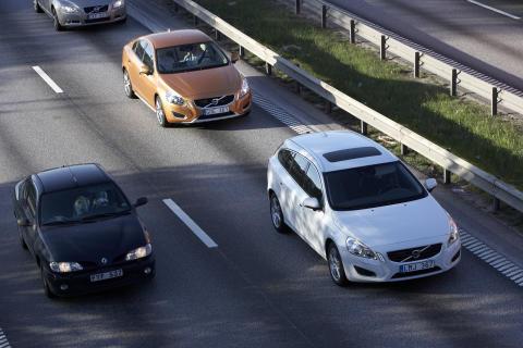 Volvo Personvagnar minskar stressen i samband med de dagliga resorna till och från jobbet med en teknik som automatiskt följer bilen framför