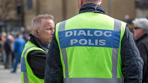 Integratisonpolisen Ulf Boström är ständigt ute på fältet