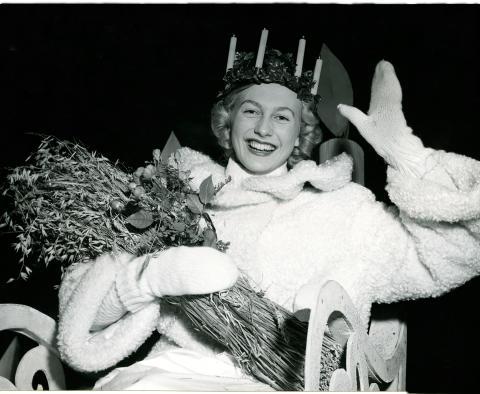 Stockholms lucia 1951. Fotograf okänd, Nordiska museets arkiv