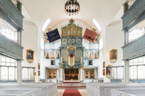Innenansicht der Røros Kirche Bergstadens Ziir