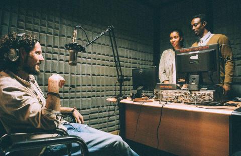 Max Herre im Radiointerview in Äthiopien
