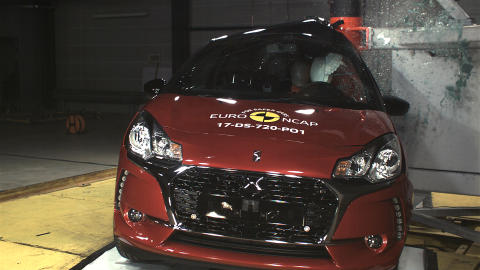 DS 3 pole crash test Dec 2017