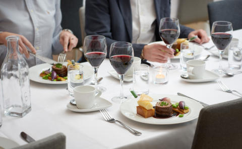 Karlstad CCC presenterar White Dinner