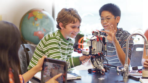 Schools look to virtual reality and robotics to boost student learning