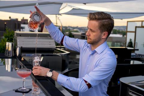 Bartender Christer Espeseth av Studio Dreyer Hensley