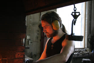 Konstsmeden Gustav Thane får Fabrikör J.L.Eklunds Stora Hantverksstipendium 2010