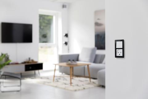 Nye FUGA-rammer i elegant sort/hvid kombination