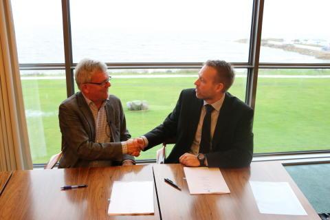 Historisk aftale: Ringkøbing-Skjern bliver fiberbredbåndskommune