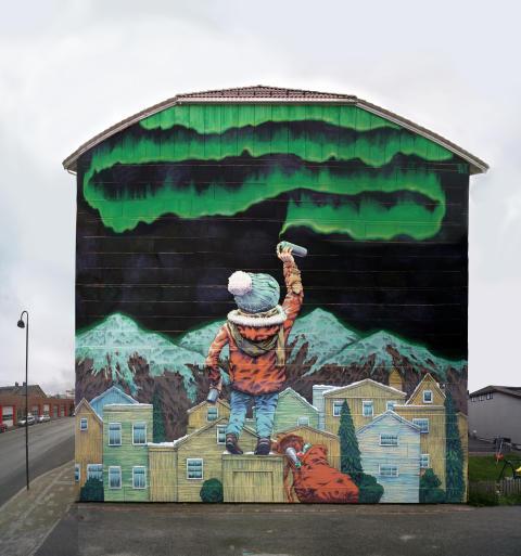 Koko talon kattava muraaliteos maalataan Sipooseen