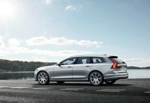Orderböckerna öppnar för nya Volvo V90