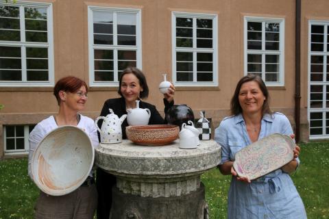Drei der Aussteller*innen: v.l. Sybille Abel-Kremer, Gabriela Roth-Budig und Jana Heistermann