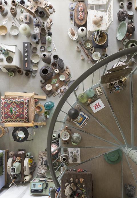 Inbjudan till pressvisning av utställningen Joe Hedlund: Konsten som hem – hemmet som konst