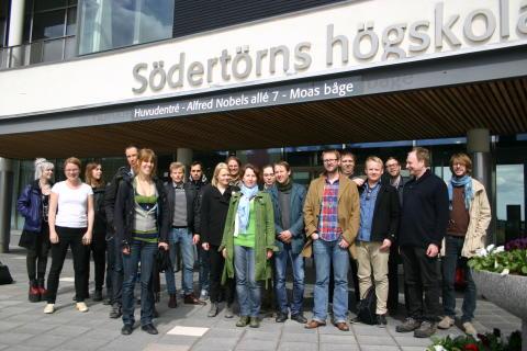 Journalister och webbutvecklare som deltog i Sveriges första Hackathon