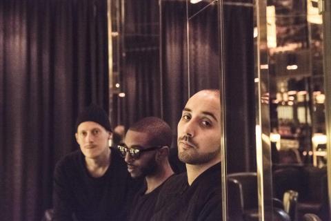 """Sony Music kontrakterar Som Fan, debutalbumet """"Sellout"""" släpps i februari"""