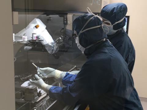 Blandinator - robot för beredning av läkemedel