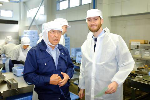 Fiskeriutsending G.Wie og Edono som var en av early movers for norsk makrell. Edono bruker utelukkende Norsk råstoff i sin makrellproduksjon