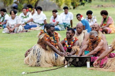 Kava ceremoni  - favoritdryck i Fiji.