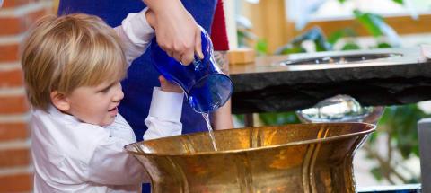 Ny Sifo-undersökning: Kyrkan spelar en viktig roll för Sveriges befolkning