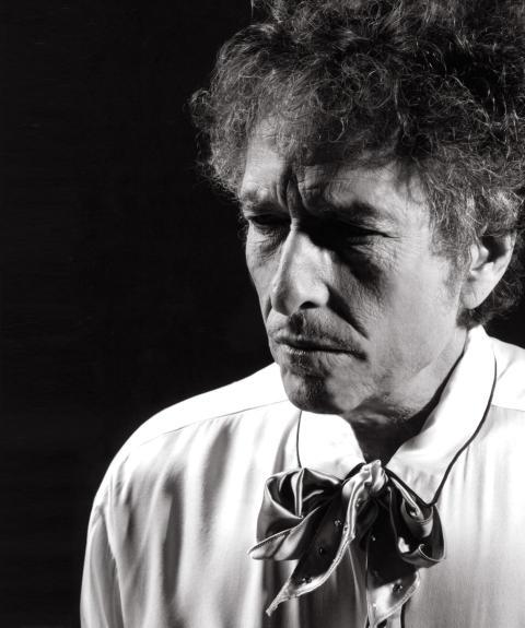 Bob Dylan släpper trippelalbumet Triplicate – en samling med 30 nyinspelade amerikanska låtklassiker