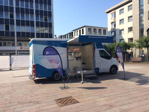 Beratungsmobil der Unabhängigen Patientenberatung kommt am 27. Juni nach Lübeck.