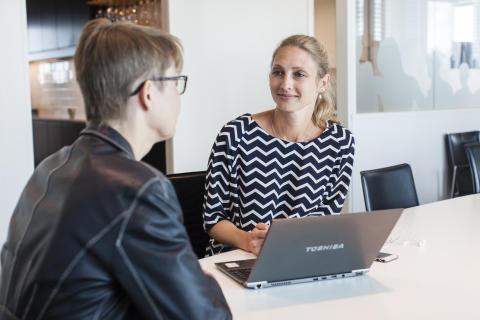 83 % av jobbsökare föredrar att inte skicka personligt brev när de söker jobb