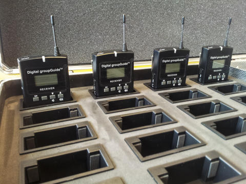 imagineear Digital groupGuides charging in case