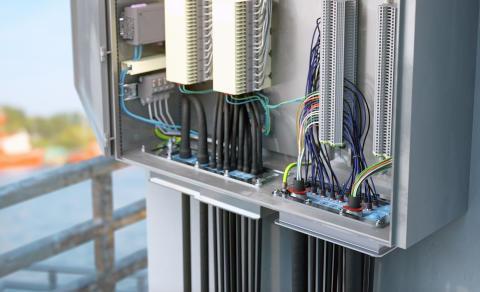Erstat dine kabelforskruninger med Roxtec HD (High Density) kabeltætningsløsninger