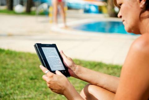 Mobilen vinner terräng när svenskarna drömmer om semester