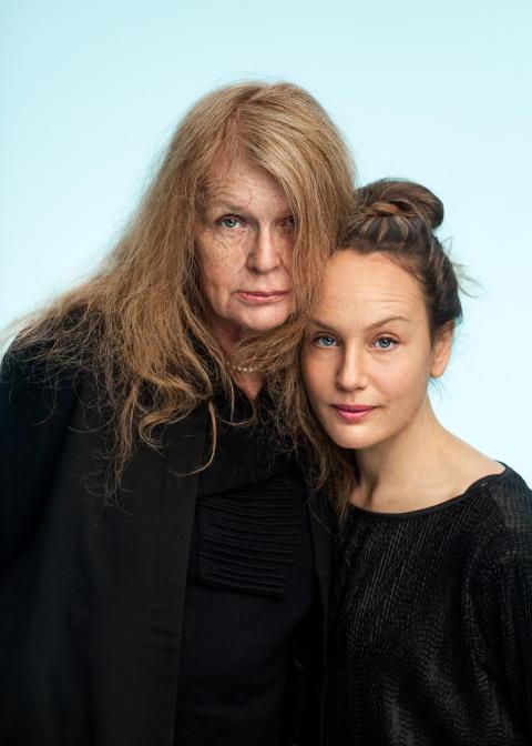 Kristina Lugn och Sarah Riedel på föreställningsturné i vår