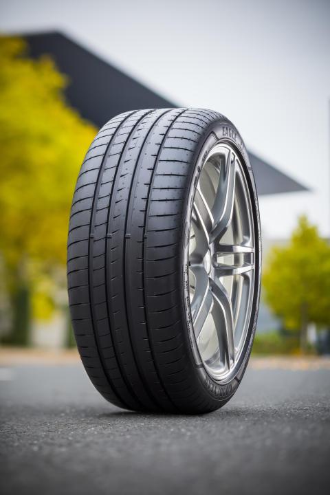 New Eagle F1 Asymmetric 3_tire