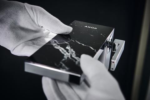 AXOR MyEdition med designplatta av svart marmor tillverkas för hand