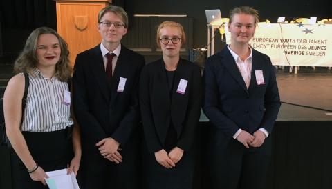 Elever från Umeå Internationella Gymnasium deltar, som enda kvalificerade skola från Västerbotten i det Europeiska Ungdomsparlamentets nationella session